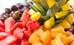 4.-cara-membuat-salad-buah