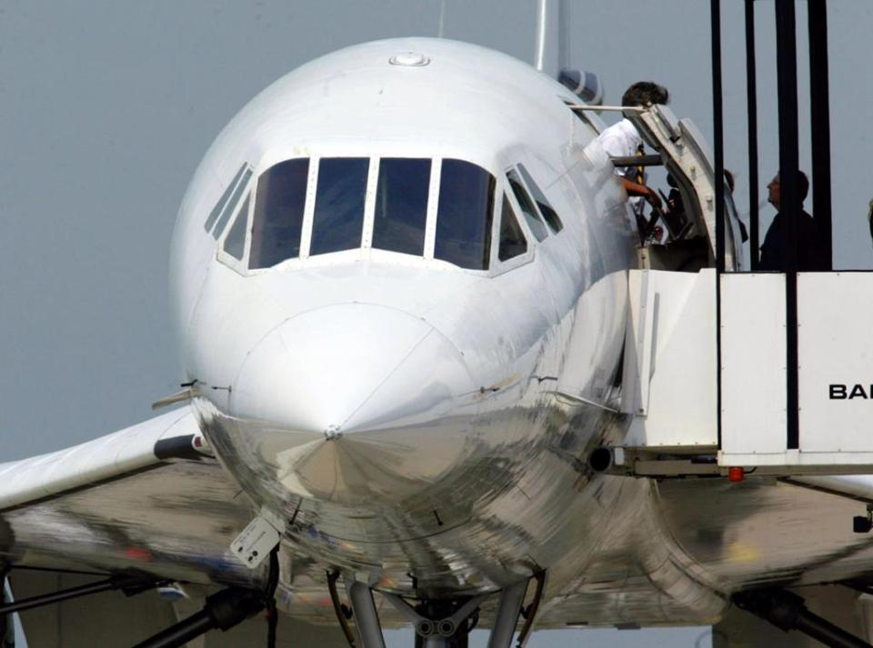 In normal flight, the nose and visor were raised.