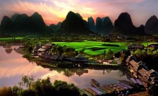 Yangshuo Shiwaitaoyuan