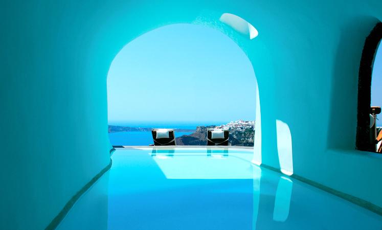 PERIVOLAS Santorini, Greece