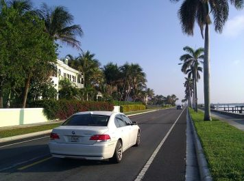South Flagler Drive has well marked bike lanes. Traffic is calm