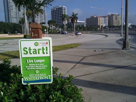 We're on the waterfront - no bike lanes on this 4-lane section of flagler. Stay on the path.