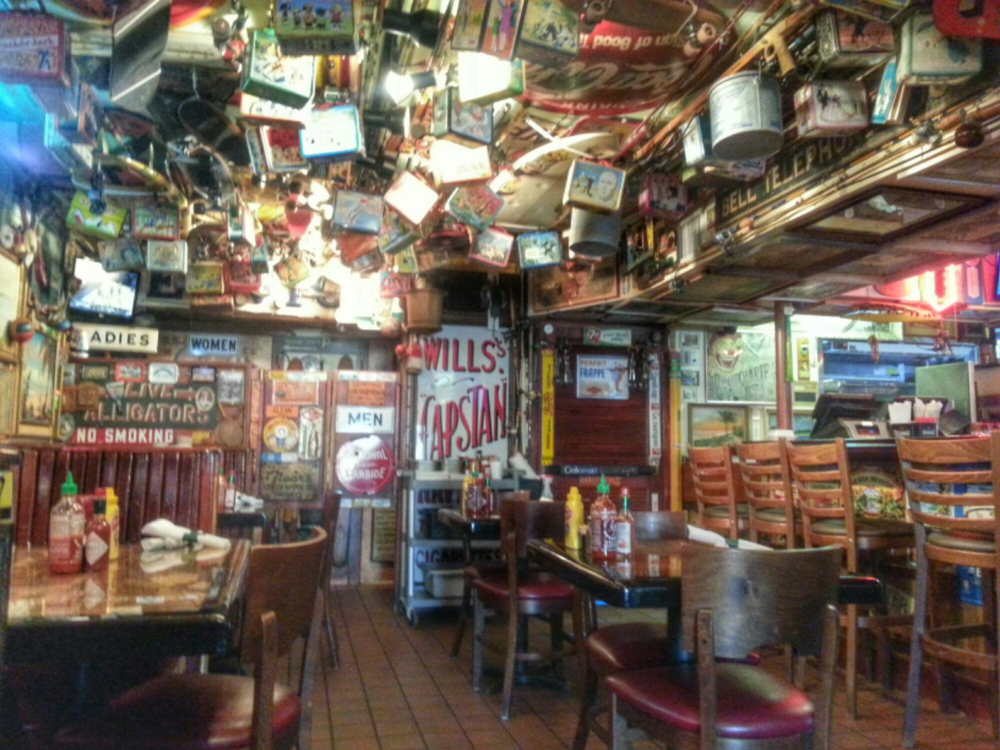 Dixie bar and grill