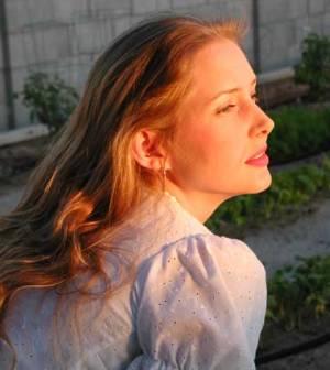 an understanding woman looking to change her life