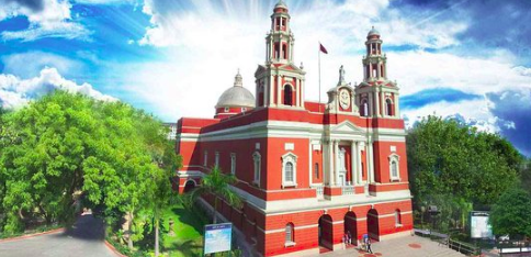 Sacred Heart Cathedral Church | Churches to visit in India this Christmas