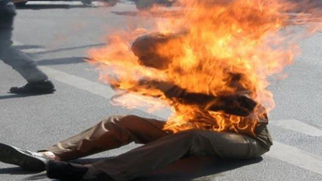 """معطيات جديدة حول الشخص الذي أضرم النار في جسده بـ""""الكركرات"""""""