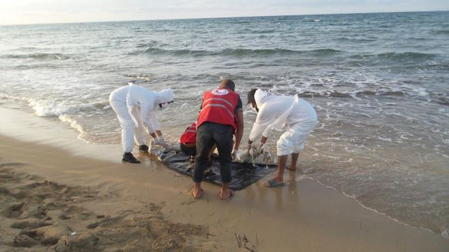 بحر الوطية يلفظ جثة شاب