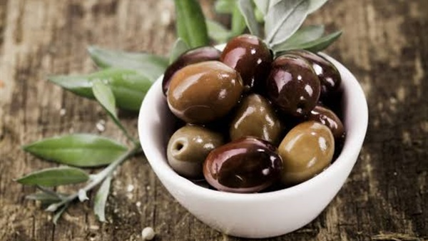 أهل مصر أجود المخللات الطبيعية طريقة تخليل الزيتون الأسود