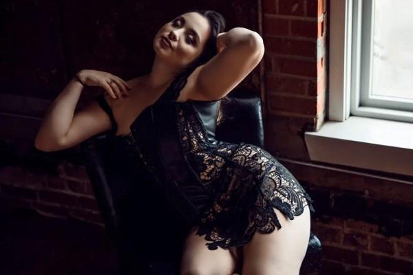 bold dramatic contrast boudoir photography photographer sexy comfortable confident