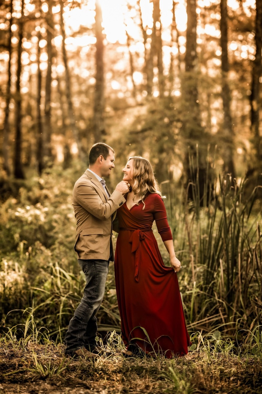 outdoor engagement couples photo shoot