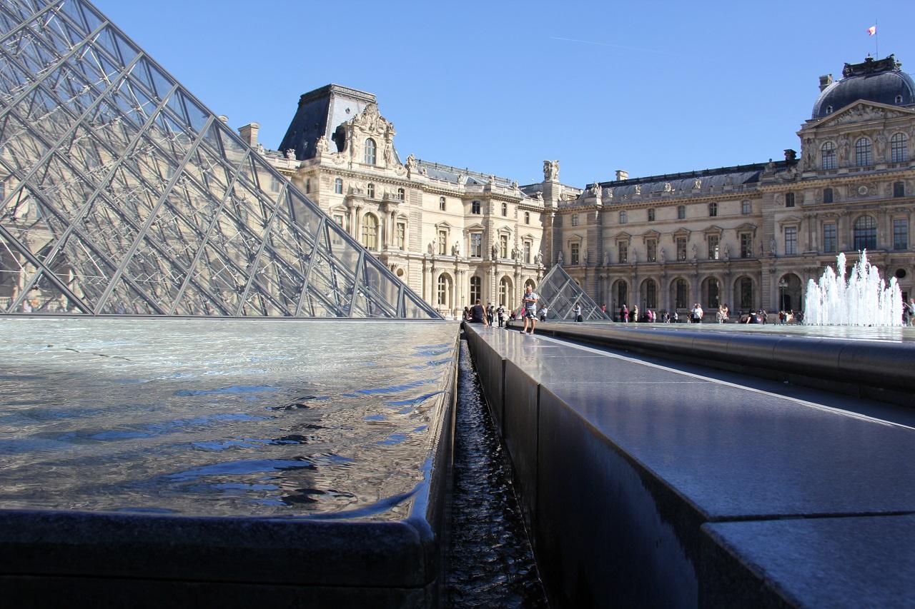 Paris Louvre 01