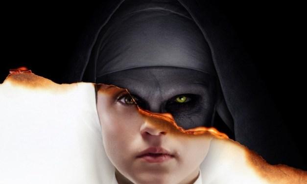 Taissa Farmiga é atormentada por Valak em nova foto do filme 'A Freira'