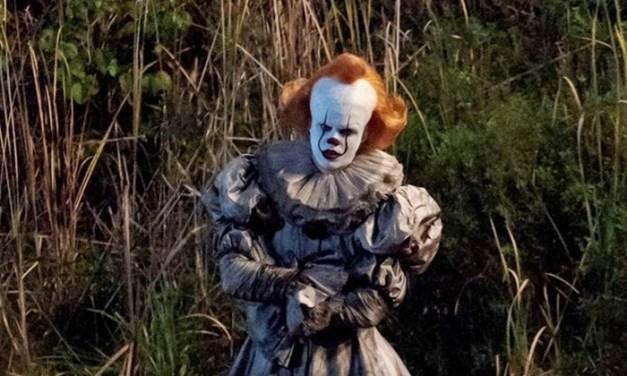 Pennywise aparece em novas fotos dos bastidores da sequência de 'IT: A Coisa'