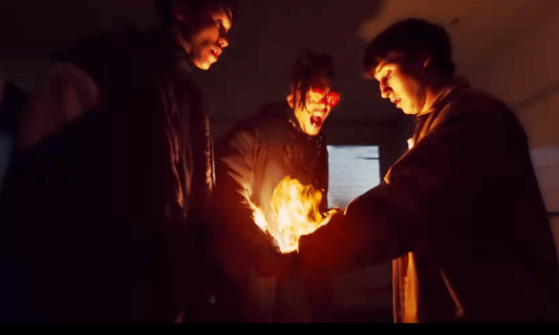 Jovens ganham poderes sobrenaturais no trailer da nova série da Netflix 'Mortel'