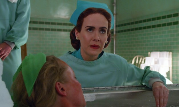 Sarah Paulson é uma enfermeira maligna na nova série de Ryan Murphy para a Netflix 'Ratched'