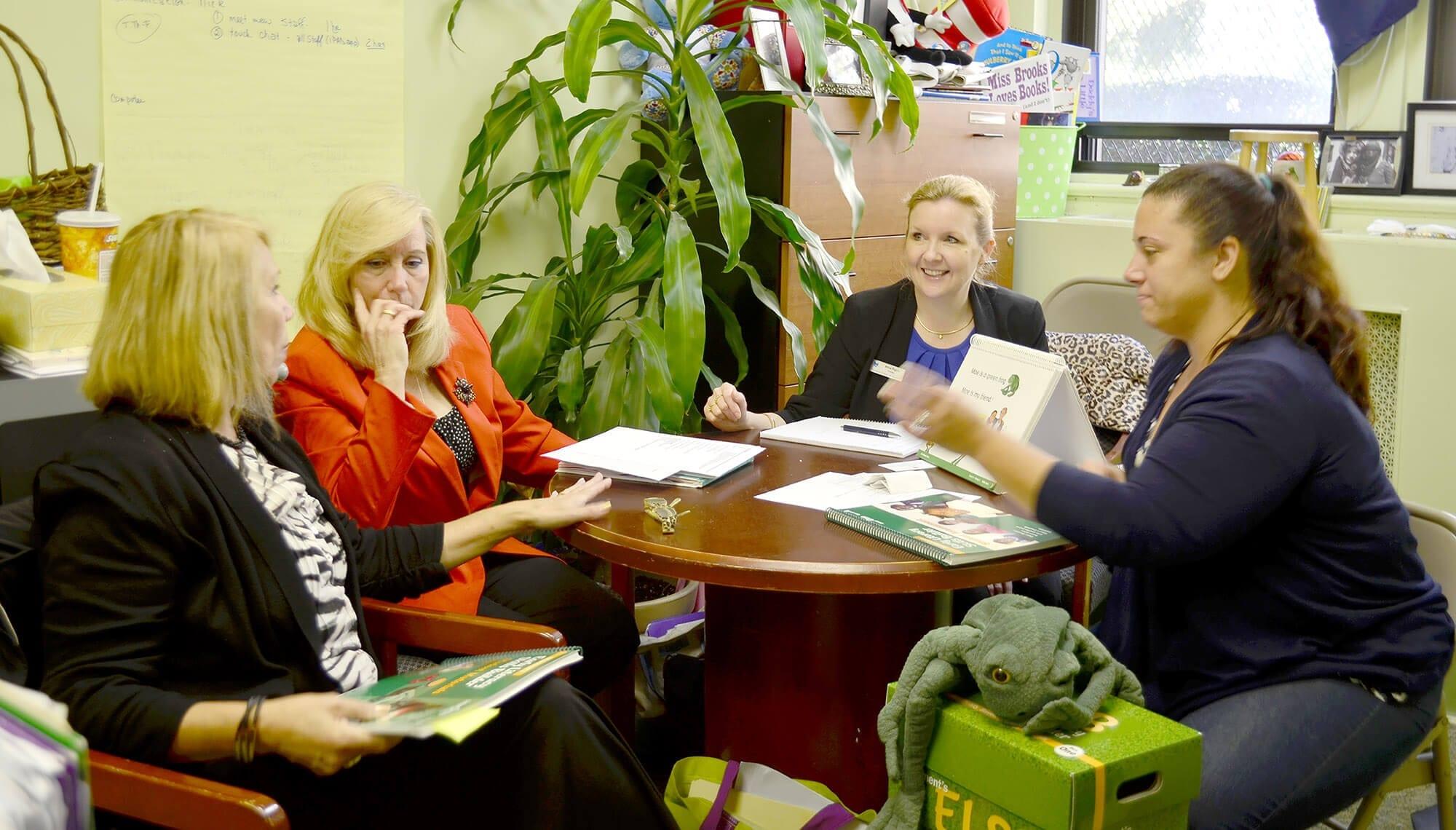 Brooklyn Blue Feather Elementary School Hosts Guest