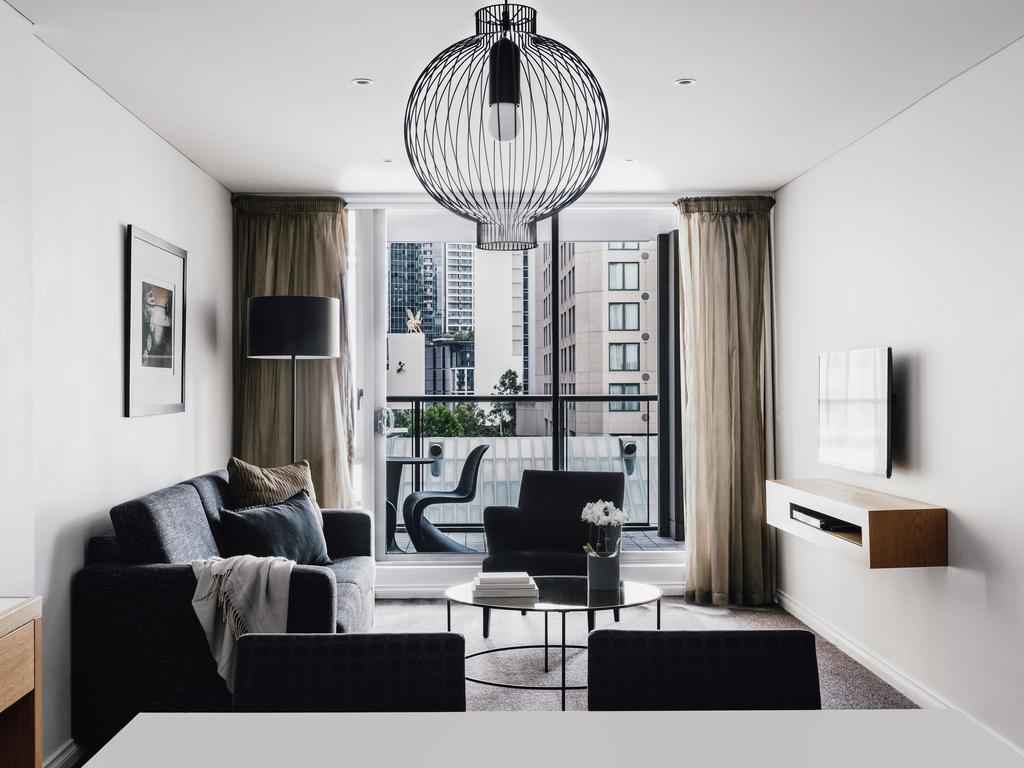 hotels with kitchens kitchen cabnet 酒店在墨尔本 墨尔本西码头套房酒店 单卧室高级南岸景观套房 配备1 张特大床或大床