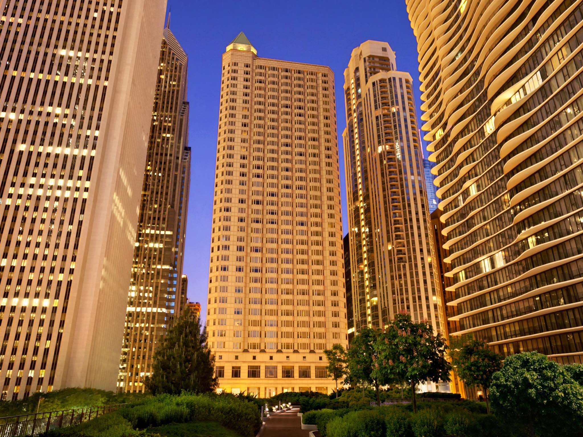 Hotel In Chicago - Fairmont Millennium Park