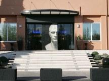 Tel Arles - Hotel Plaza