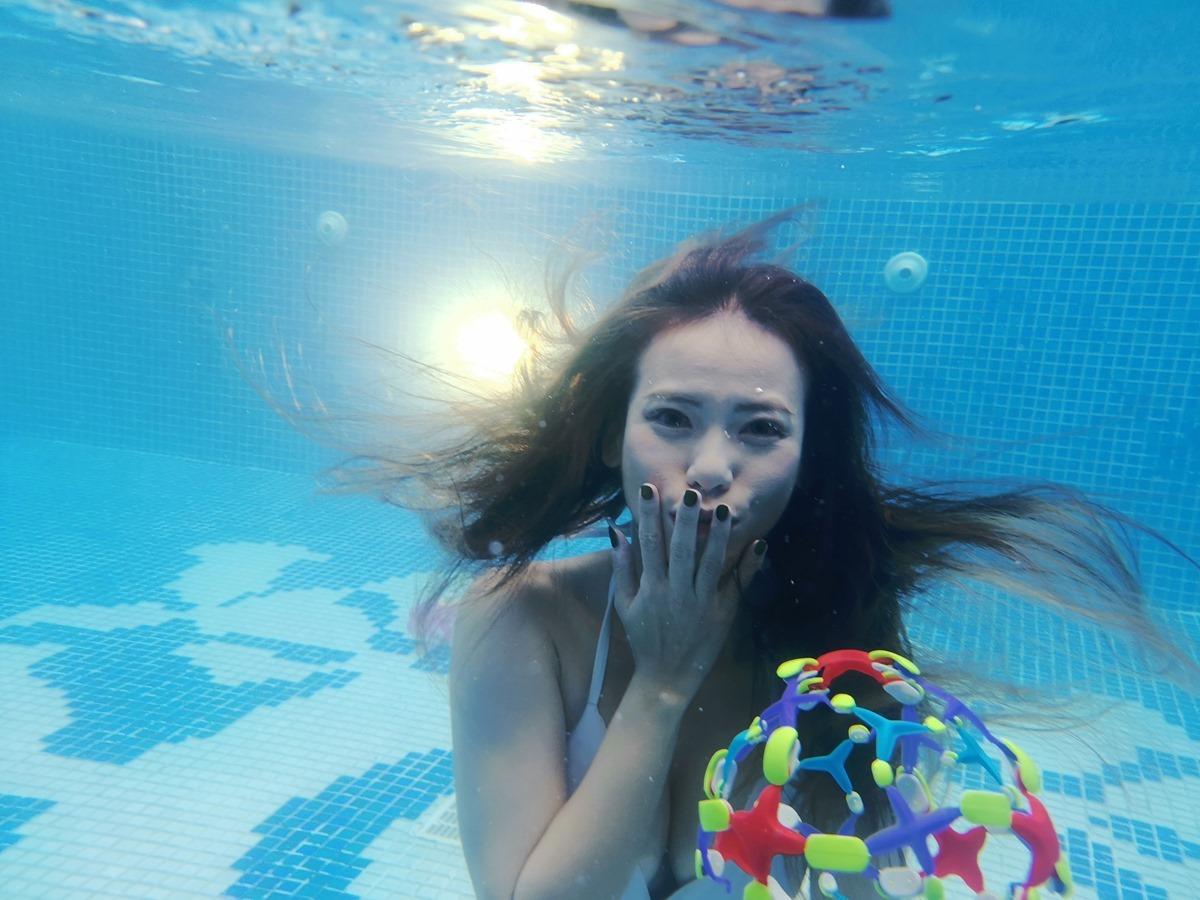 就是要下水拍照!實測 Mate 20 Pro 專業潛水保護殼 – 實際下水拍拍 @3C 達人廖阿輝