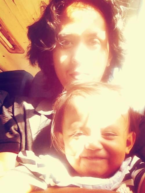selfi bahagia bersama anak