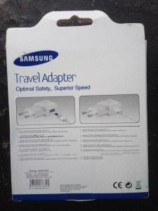 Bagian Belakangan Dus Travel Adapter Samsung