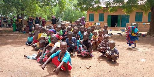 Le ministère de l'Education appelle à l'inscription et la réinscription des enfants déplacés