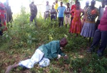 Photo of Man Eats Grass After Stealing a Bull in Bukedea