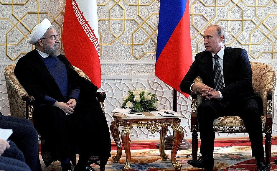 Foto: Presidents Rouhani of Iran and Putin of Russia holding discussions