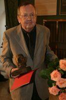 Jerzy Grzegorzewski po odebraniu Nagordy im. Boya, 2003