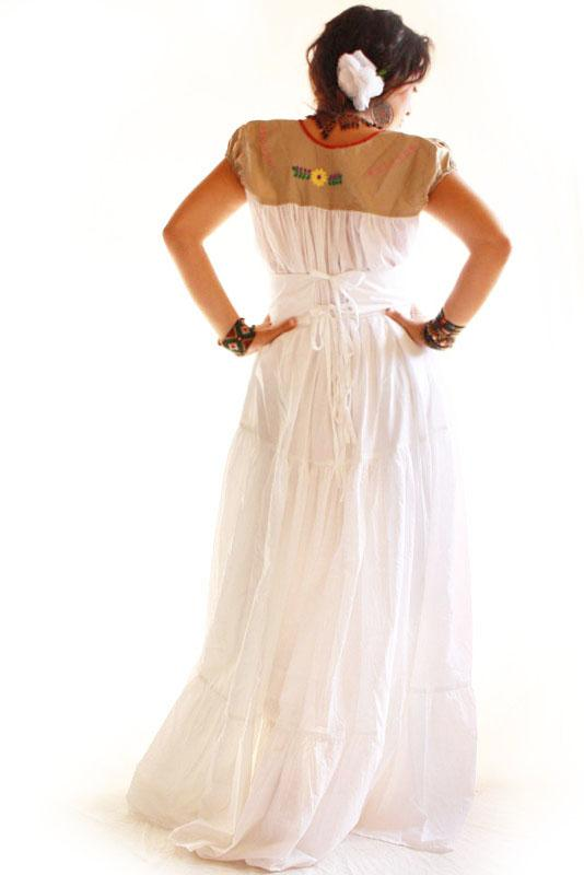 Handmade Mexican embroidered dresses and vintage treasures from Aida Coronado Vintage style