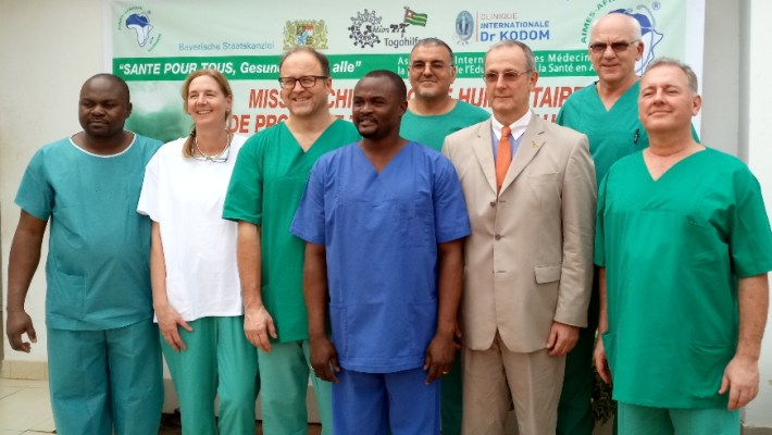 Mission spéciale de prothèse de hanche à Lomé