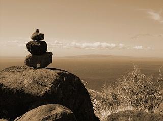 maui-hawaii-rock-stacking-hawaiian-spirits