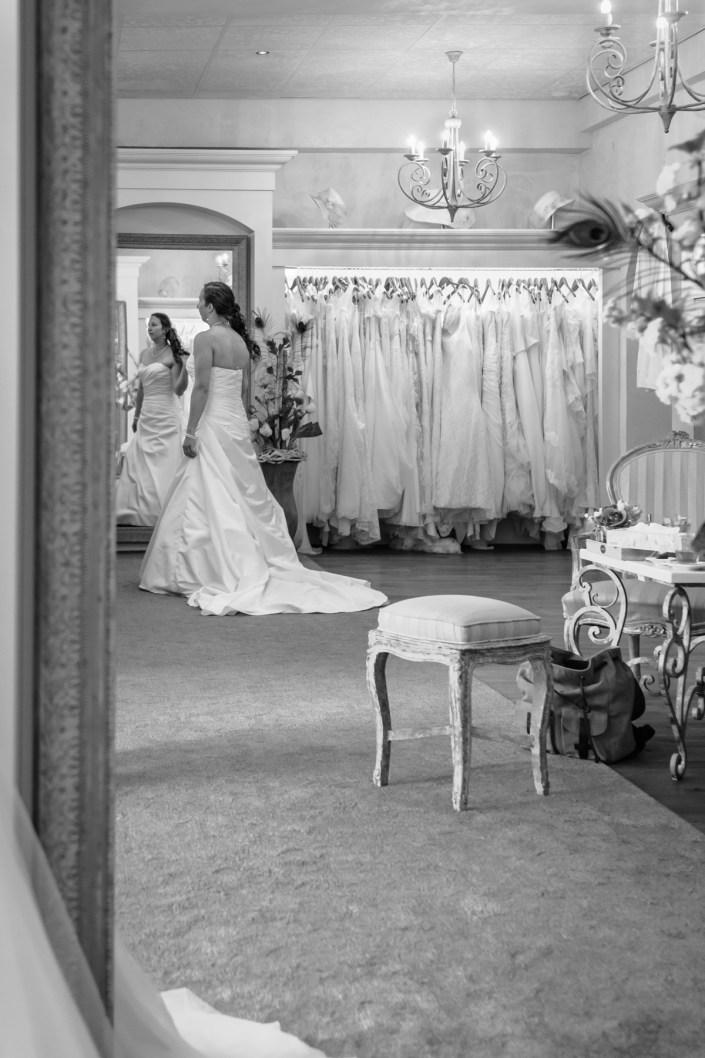 aim-aimfoto-love-liefdeis-aimfotografie-liefdeis-bruiloft-samenzijn-liefde-bruidsfotografie-fotografie-reportage-portret-fotograaf-laren-deventer-lochem-gettingready-adaritzer-aimfoto