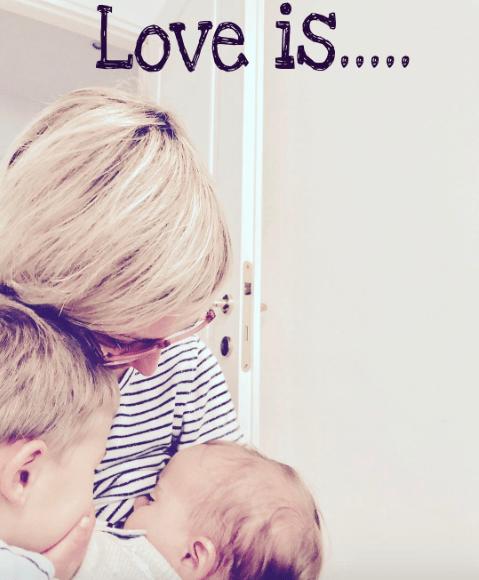 """E' l'amore che una madre ci mette mentre nutre suo figlio, che NON fa la differenza tra """"naturale e """"artificiale""""."""