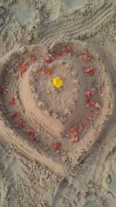 sydän_hiekassa