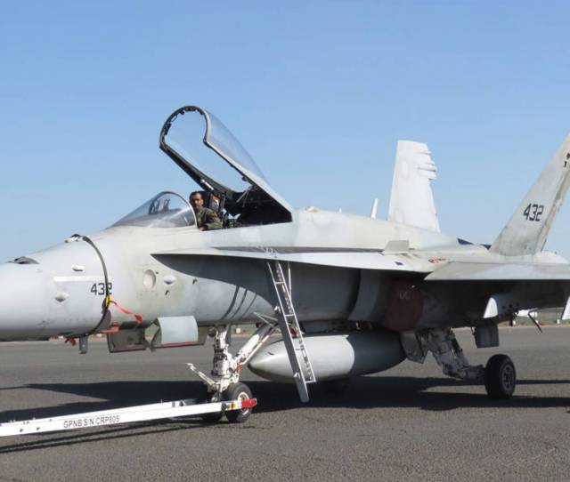 Kuwaits F A 18c D Legacy Hornets Have Seen Action Over Iraq And Yemen They Are Being Replaced By Super Hornets And Typhoons Photo David Donald