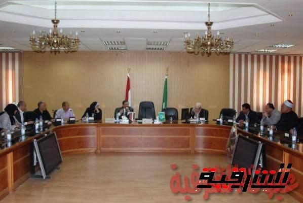 محافظة الشرقية : تنظيم ندوات تثقيفية لتوعية المواطنين و المرأة بالصحة الإنجابية وتنظيم الأسرة