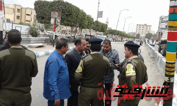 رئيس مدينة أبوحماد يتابع أعمال رصف طريق أبوحماد / الزقازيق