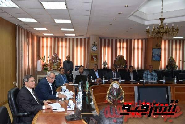 محافظ الشرقية يوجه بمراجعة قرارات التخصيص الصادرة لأراضي أملاك الدولة
