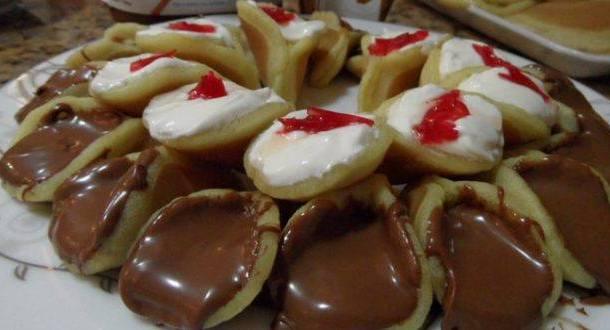 حلويات القطايف بحشوة شوكولاتة