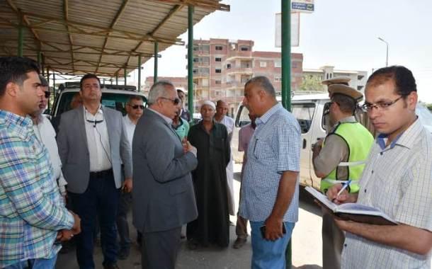 محافظ الشرقية يطمئن على تطبيق تعريفة الركوب الجديدة بموقف الزقازيق / أبو حماد