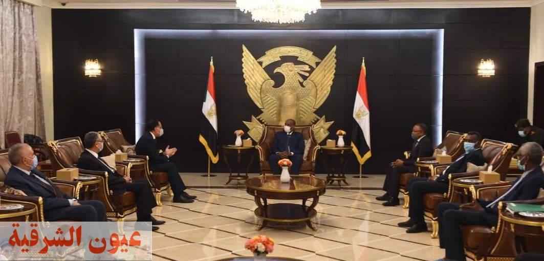 رئيس الوزراء يلتقي رئيس مجلس السيادة السوداني