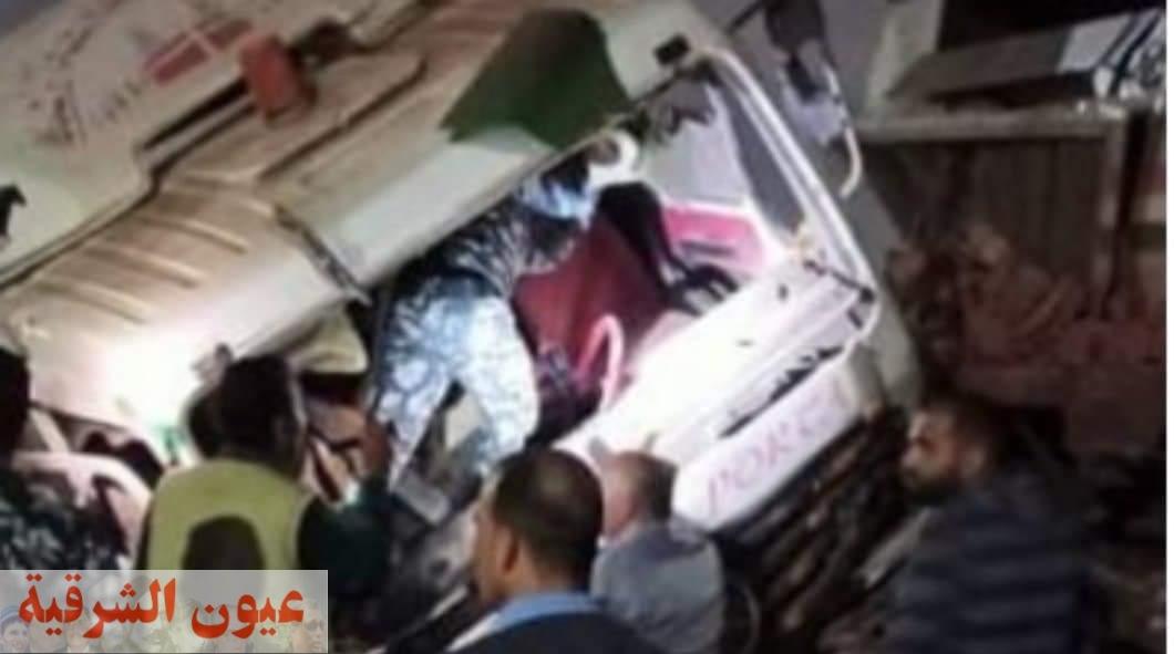 مصرع شخص في حادث تصادم سيارة نقل بقطار بالسويس