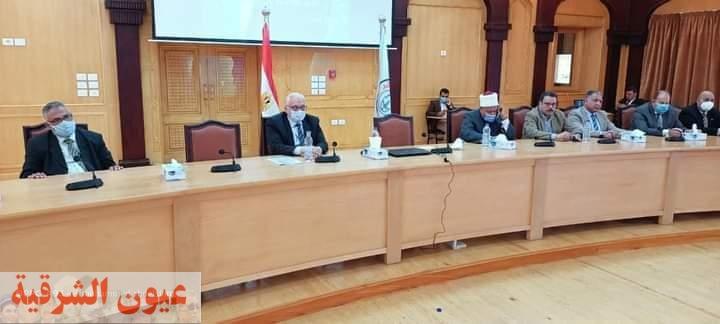 رئيس جامعة الأزهر يعقد لقاء مفتوح مع مديري العموم بالجامعة