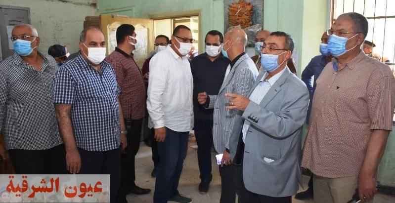 محافظ الشرقية يشهد إنطلاق حملة تطعيم العاملين بقطاع التعليم والمعلمين القائمين على إمتحانات الشهادات العامة