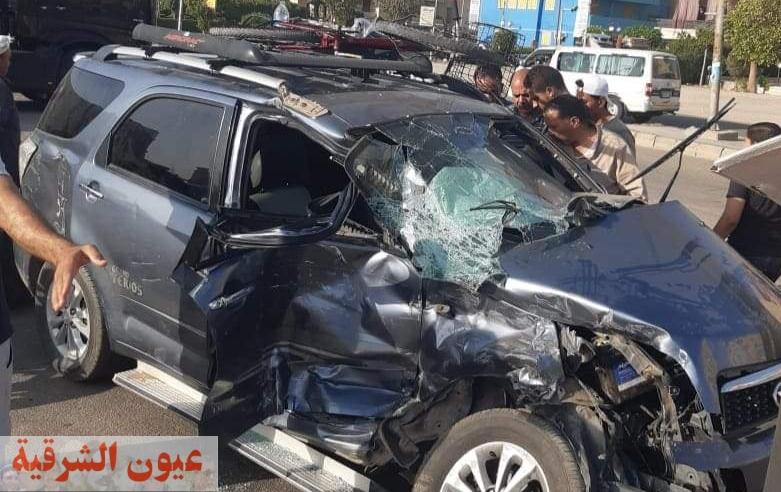 حادث تصادم سيارتين بالعاشر ووقوع إصابات