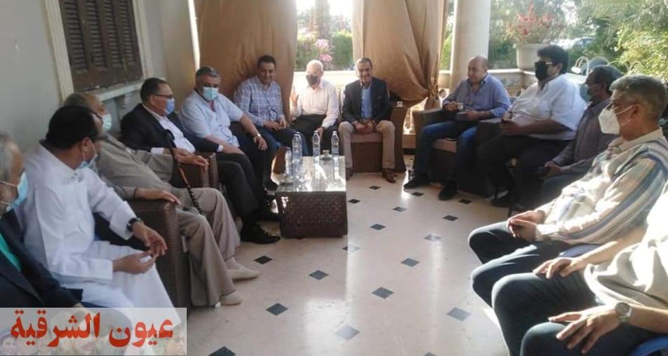 محافظ الشرقية يؤدي واجب العزاء والمواساة في وفاة شقيق النائب عبد المجيد الأشقر عضو مجلس الشيوخ واللواء ماجد الأشقر