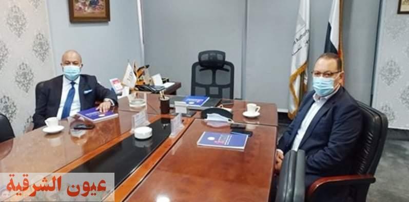 محافظ الشرقية يبحث مع رئيس جهاز تنمية التجارة الداخلية الوضع الراهن للمشروعات التجارية الجاري تنفيذها