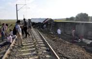 بالفيديو.. لحظة انقلاب قطار في تركيا